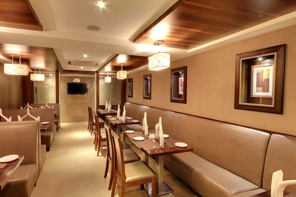 Best Panjabi Fine Dining Restaurant,  Mid market hotels in Ahmedabad, Downtown hotel in Ahmedabad